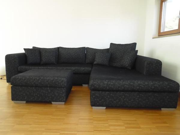 gro es ecksofa mit hocker neuwertig in freiburg polster sessel couch kaufen und verkaufen. Black Bedroom Furniture Sets. Home Design Ideas