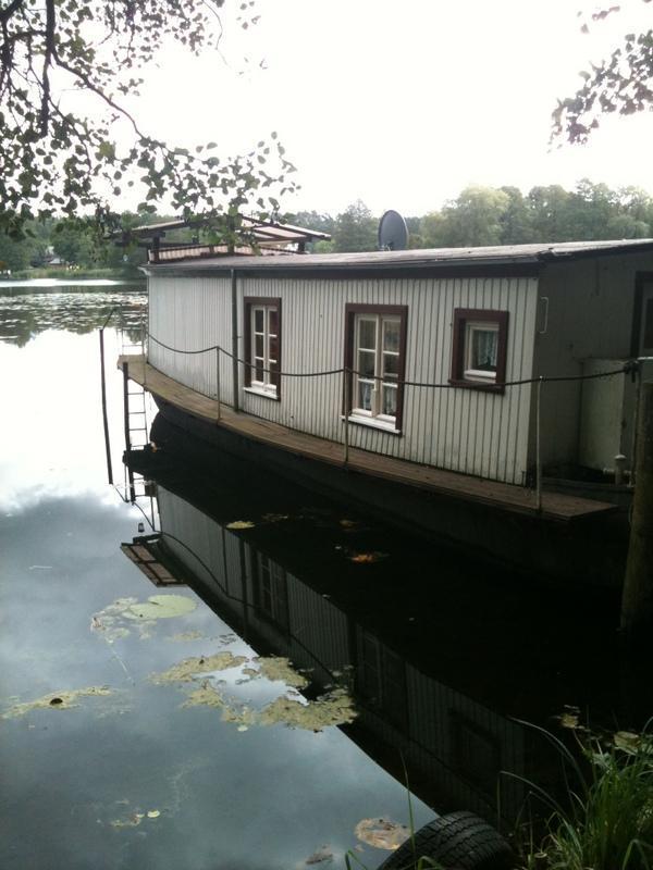 hausboot zu verkaufen in werbellin motorboote kaufen und verkaufen ber private kleinanzeigen. Black Bedroom Furniture Sets. Home Design Ideas