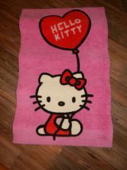 Hello Kitty Teppich Hallo, wir verkaufen hier einen rosa Hello Kitty Teppich. Maße: Länge: 80 cm / Breite 50 cm Ohne ... 10,- D-28879Grasberg Heute, 15:16 Uhr, Grasberg - Hello Kitty Teppich Hallo, wir verkaufen hier einen rosa Hello Kitty Teppich. Maße: Länge: 80 cm / Breite 50 cm Ohne