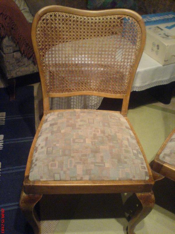 die srungfedern sind noch gut so hat der polsterer gemeint da der stoff nicht mehr sch n war. Black Bedroom Furniture Sets. Home Design Ideas