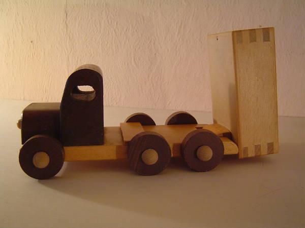 Puppenwagen Holz Kleinanzeigen ~ Holzspielzeug  Holz LKW Kipper aus Geschäftsaufkösung