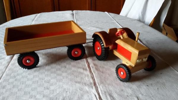 holz traktor neu und gebraucht kaufen bei. Black Bedroom Furniture Sets. Home Design Ideas