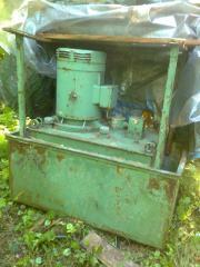 Hydraulik-Aggregat 10