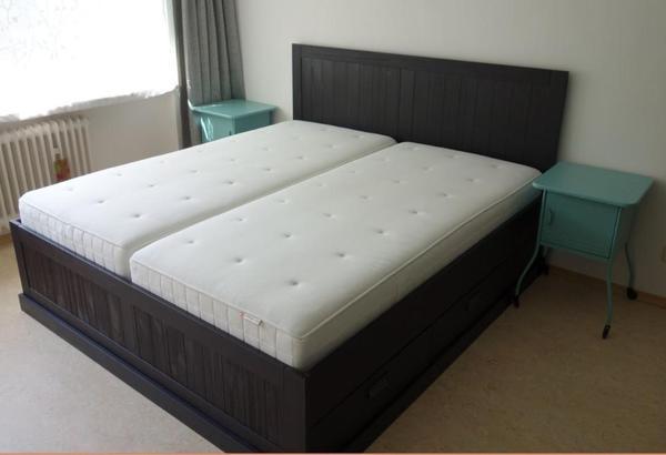 ikea doppelbett schwarz neuwertig in k ln betten kaufen und verkaufen ber private kleinanzeigen. Black Bedroom Furniture Sets. Home Design Ideas