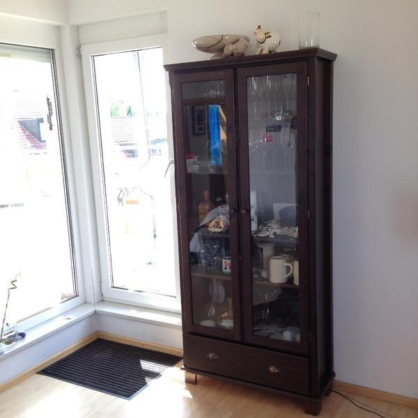 ikea mark r glasvitrinenschrank in erding. Black Bedroom Furniture Sets. Home Design Ideas