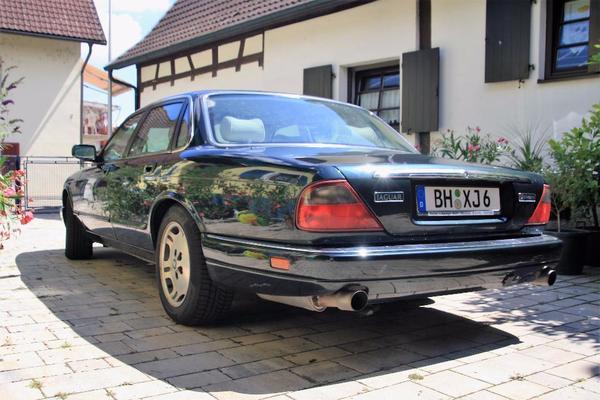 jaguar xj 2 occasion petites annonces de voitures d 39 occasion. Black Bedroom Furniture Sets. Home Design Ideas