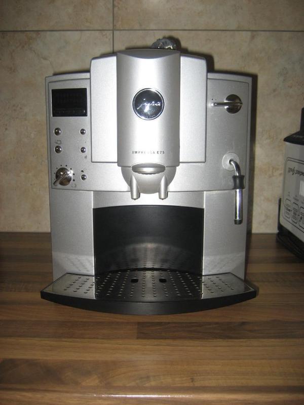 biete hier unsere jura e75 an nach letzter reperatur funktioniert sie wieder kaffee kommt. Black Bedroom Furniture Sets. Home Design Ideas
