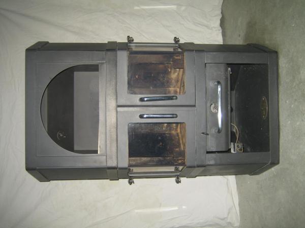 kaminofen scan f r die eckaufstellung in illerkirchberg fen heizung klimager te kaufen und. Black Bedroom Furniture Sets. Home Design Ideas