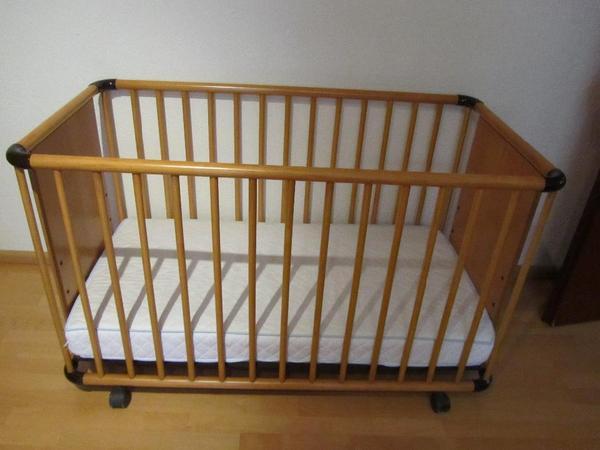 kinderbett gitterbett aus holz in stuttgart wiegen babybetten reisebetten kaufen und. Black Bedroom Furniture Sets. Home Design Ideas