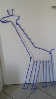 Kindergarderobe in Giraffenform