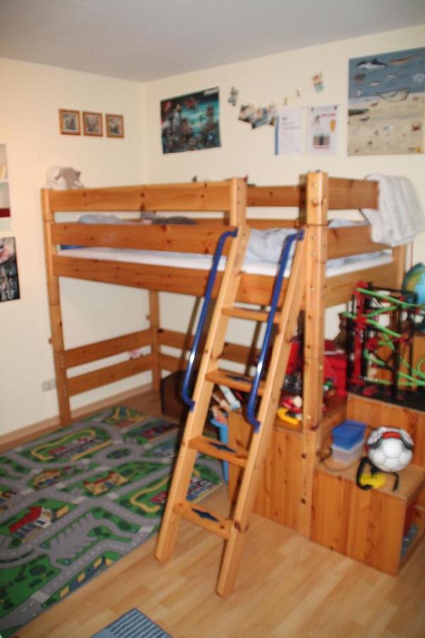 kinderhochbett massiv holz in freigericht kinder. Black Bedroom Furniture Sets. Home Design Ideas