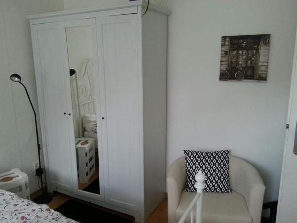 landhaus kleiderschrank neu und gebraucht kaufen bei. Black Bedroom Furniture Sets. Home Design Ideas