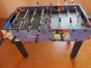 Kleinerer Tischkicker, Billiardtisch,