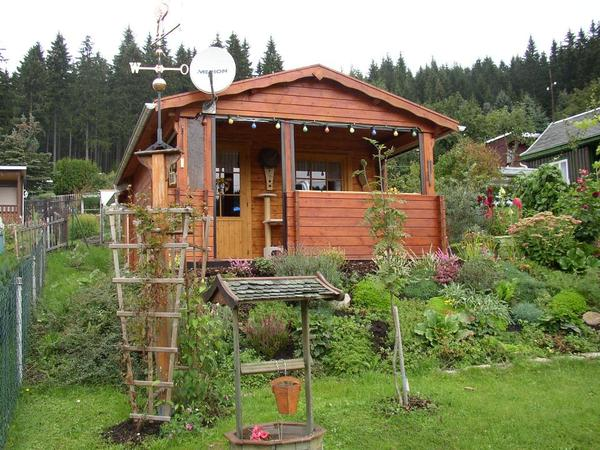 kleingarten mit zufahrt und eigenem parklpatz in. Black Bedroom Furniture Sets. Home Design Ideas