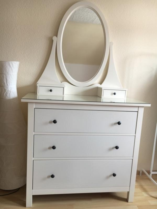kommode m spiegel wei ikea hemnes in maintal schr nke sonstige schlafzimmerm bel kaufen. Black Bedroom Furniture Sets. Home Design Ideas