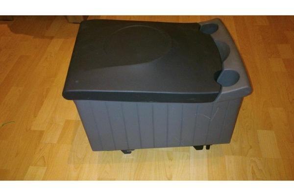 k hlbox vw touran in ergoldsbach sonstiges zubeh r. Black Bedroom Furniture Sets. Home Design Ideas