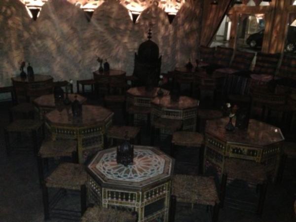 ladeneinrichtung m bel orientalisch shisha bar aufl sung r umungsverkauf in frankfurt. Black Bedroom Furniture Sets. Home Design Ideas
