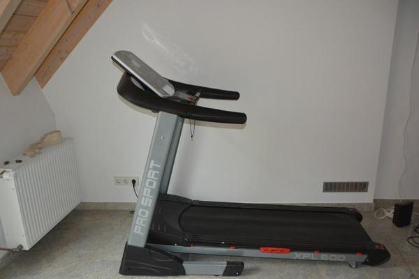 laufband motorisiert neuwertig in hannover fitness. Black Bedroom Furniture Sets. Home Design Ideas
