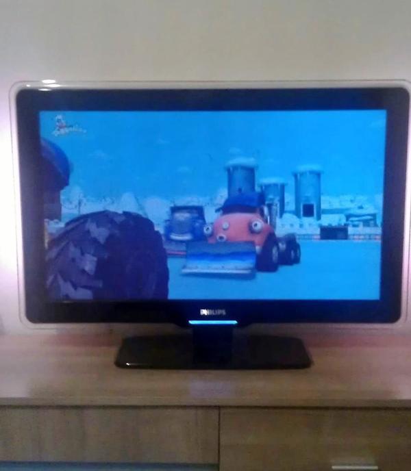 philips fernseher ambilight kaufen gebraucht und g nstig. Black Bedroom Furniture Sets. Home Design Ideas