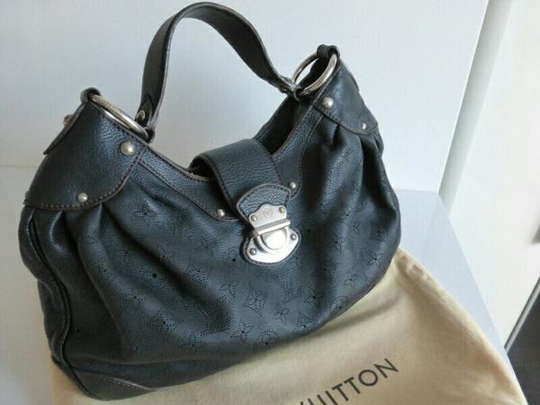 louis vuitton handtasche in leder schwarz in m nchen taschen koffer accessoires kaufen und. Black Bedroom Furniture Sets. Home Design Ideas