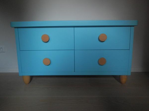 pin mammut kommode ikea blau verkaufe sch ne ikea mammut kommode hellblau on pinterest. Black Bedroom Furniture Sets. Home Design Ideas