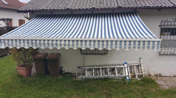 Markise Blau Weiss Gestreift In Gilching Fenster