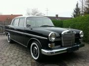 Mercedes 200 Heckflosse