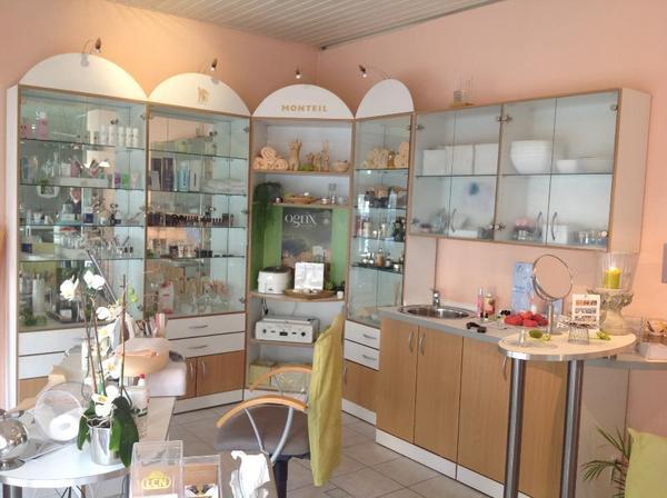 nagelstudio kosmetikstudio einrichtung in heidelberg kosmetik und sch nheit kaufen und. Black Bedroom Furniture Sets. Home Design Ideas