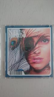 Nelly Furtado Mini