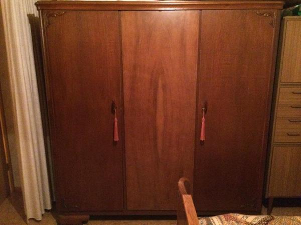 massivholz kleiderschrank neu und gebraucht kaufen bei. Black Bedroom Furniture Sets. Home Design Ideas