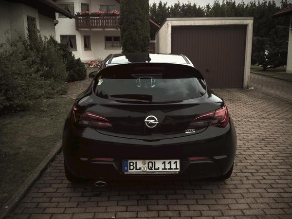 voiture opel astra gtc opc line innovation navi infinity sound 235 ps occasion de 2012 pour 15990. Black Bedroom Furniture Sets. Home Design Ideas