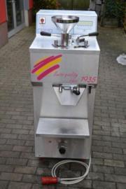 OttSwissFreezer Eismaschine inklusive