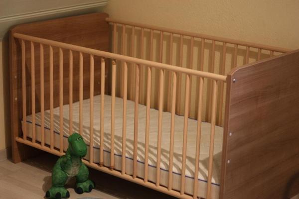 paidi gitterbett zu verkaufen in seukendorf wiegen. Black Bedroom Furniture Sets. Home Design Ideas
