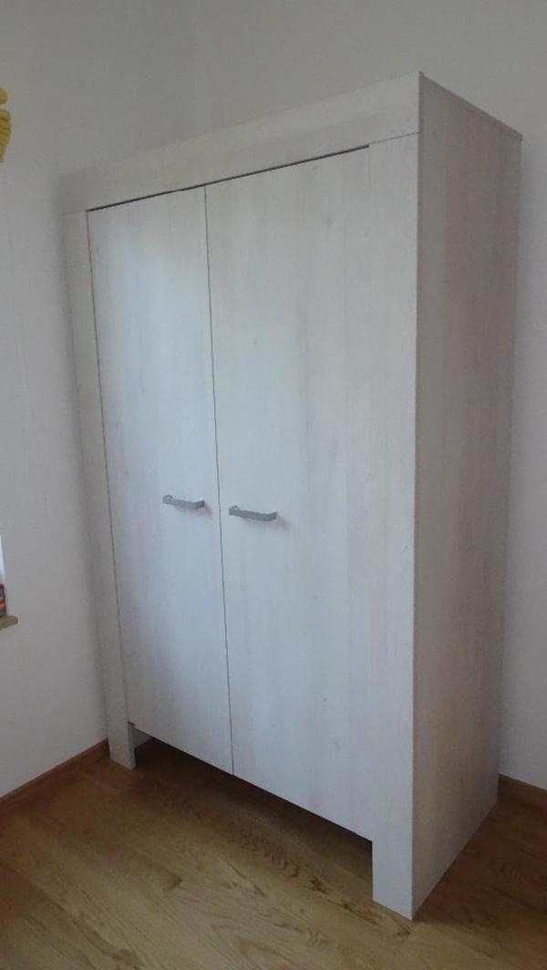 kinderzimmer kleiderschrank gebraucht kaufen nur 4 st. Black Bedroom Furniture Sets. Home Design Ideas