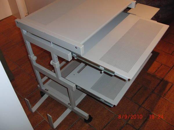 pc tisch rollbar ausziehbar mit seitlicher pc halterung in obernburg computerm bel kaufen und. Black Bedroom Furniture Sets. Home Design Ideas