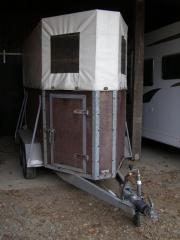 Pferdeanhänger, 1300kg, Leergewicht