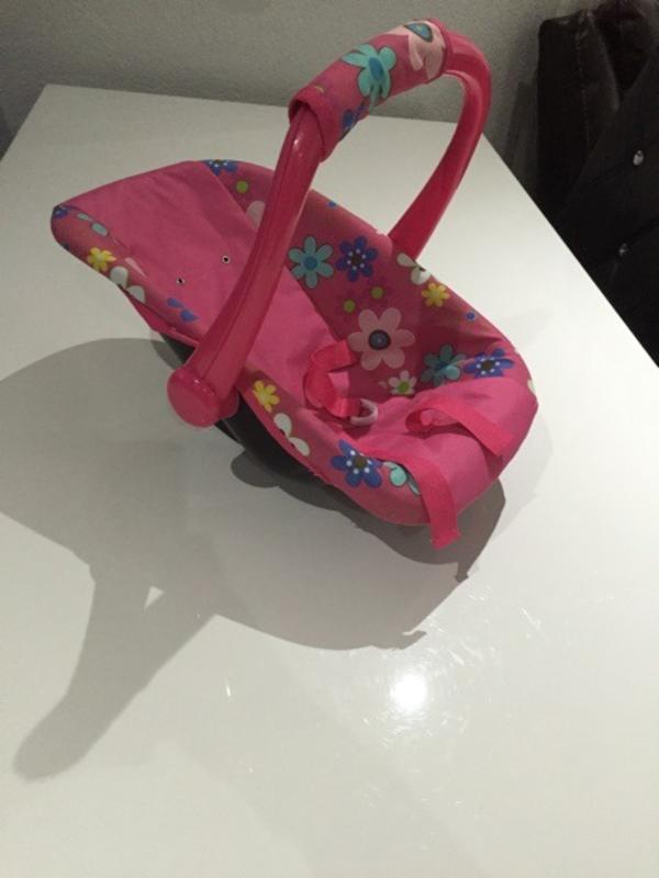 puppen kindersitz kaufen gebraucht und g nstig. Black Bedroom Furniture Sets. Home Design Ideas