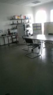 Putzhilfe für Büro