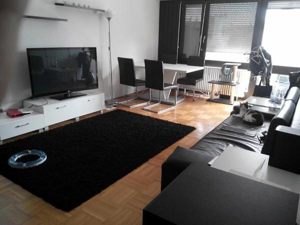 riesige 1 zimmer wohnung im begehrten regensburger westen vermietung 1 zimmer wohnungen kaufen. Black Bedroom Furniture Sets. Home Design Ideas