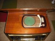 Röhrenradio mit eingebautem