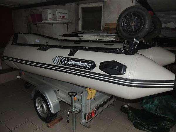 schlauchboot mit aussenbordmotor in l beck kanus ruder. Black Bedroom Furniture Sets. Home Design Ideas