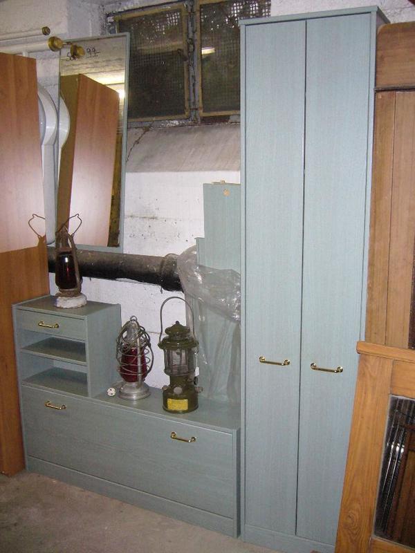 sch ne garderobe mit viel platz in heppenheim garderobe flur keller kaufen und verkaufen. Black Bedroom Furniture Sets. Home Design Ideas
