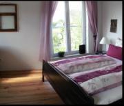 Schöne möbilierte Zweibettzimmer