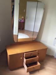 Schöne Spiegelkommode & Schrank