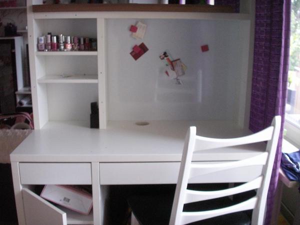 schreibtisch 39 micke 39 in berlin schr nke sonstige schlafzimmerm bel kaufen und verkaufen ber. Black Bedroom Furniture Sets. Home Design Ideas