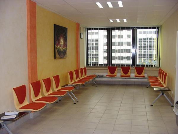 sitzgruppe f r wartezimmer wartebereiche in frankfurt b rom bel kaufen und verkaufen ber. Black Bedroom Furniture Sets. Home Design Ideas