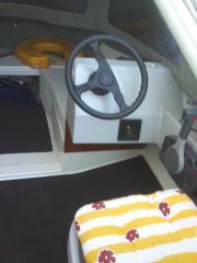 Sportboot zum halben