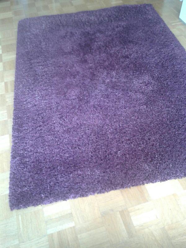 teppich hochflor in lila aubergine 140x200 in m nchen teppiche kaufen und verkaufen ber. Black Bedroom Furniture Sets. Home Design Ideas