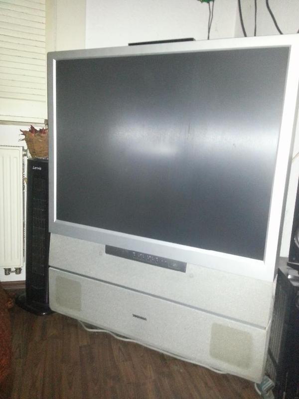 toshiba r ckprojektionsfernseher 110 cm bilddiagonale in dresden tv projektoren kaufen und. Black Bedroom Furniture Sets. Home Design Ideas
