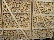 Trockenes Brennholz Zu